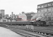 PHOTO  LMS LOCO  40620 AT GLASGOW ST ENOCH  RAILWAY STATION 24-07-61