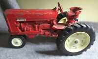 Vintage ERTL Farmall International Harvester 656 756 Die-Cast Tractor USA