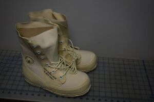 military cold weather mickey mouse boots white size 6-R