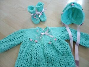 Hand knitted cardigan / matinee coat, bonnet and bootees 0 - 3 months green