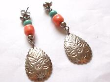 VINTAGE 80'S TURQUOISE BLUE & CORAL LUCITE SILVER TONE DANGLE DROP EARRINGS