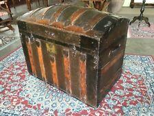 Antico baule da viaggio/cassapanca