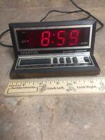 Spartus Vintage Display Electronic Digital Alarm Clock Woodgrain MCM Plug TESTED