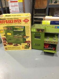 VINTAGE WORKING 1960's KENNER EASY BAKE OVEN AQUA GREEN with ORIGINAL BOX