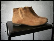Vintage Women's Tan Suede Beatle Boots 1960's Pull on Ankle Booties Size 7