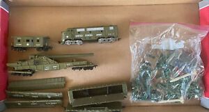 Ho Scale Tyco United States Army Engine Flat Car Caboose Ammo AA Gun Cannon