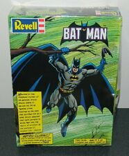 DC Comics Batman Retro 1/8 Scale Plastic Model Kit Revell 1999, SEALED MIB