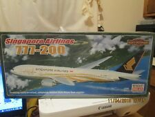 Revell 1/144 Boeing 777-200 Singapore Airlines