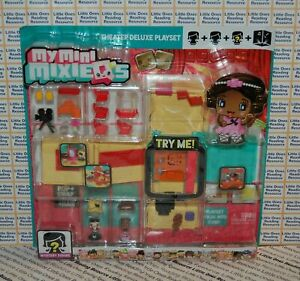 My Mini MixieQ's THEATER DELUXE PLAYSET Mattel DXD61 *READ PACKAGING CONDITION*