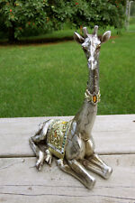 Baby Giraffe Figurine Decoration Ornament Resin New Resting Gold Blanket new