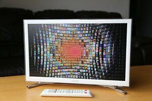 "Samsung Smart TV in White- UE22H5610AK 22""1080p HD"