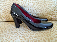 ***TARYN ROSE Italy Sz 7M patent leather PUMPS black!!