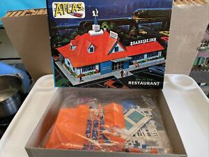 Vintage HO Scale Atlas Restaurant #760-298 complete BRAND NEW IN BOX NEVER USED