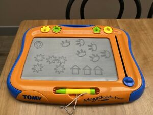 TOMY Megasketcher Classique Magnetic Drawing Board