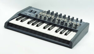 ARTURIA MINIBRUTE SYNTHESIZER - EXCELLENT!