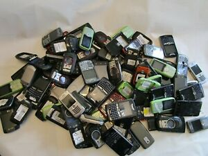 19 lb Lot of approx 98 Cell Phones, for scrap gold recovery (No Batteries)