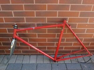UTOPIA Black Bird 58 cm expedition bike frame Germany dropouts Campagnolo 80's