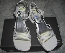 Kenneth Cole Reaction Girls Strappy White Dress Buckle Close Shoes 5 M Euro 37