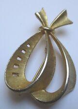 broche bijou vintage couleur or déco relief ajouré style année 1960 * 65