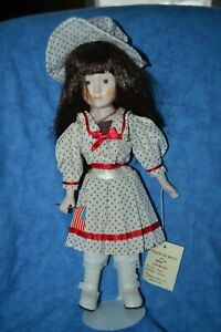 VTG 80's Seymour Mann Dolls Of the Month Little Miss July Porcelain w/ Stand