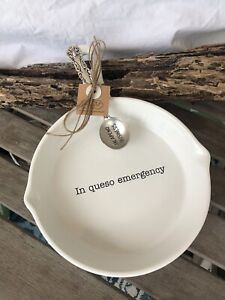 in queso emergency skillet with spoon