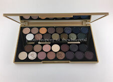 MAKEUP REVOLUTION FORTUNE FAVORS FAVOURS THE BRAVE ULTRA 30 EYESHADOW PALETTE