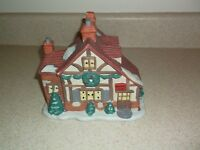 1992 NOMA Dickensville Village Pub Collectables Christmas Village House 109