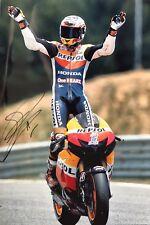 Casey Stoner mano firmado Repsol Honda 18x12 Foto MotoGP.