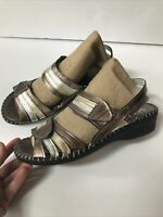 "Nwob La plume ""Anya"" Silver-Gold Metallic Leather Wedge Sandal Adjust Sz 38"