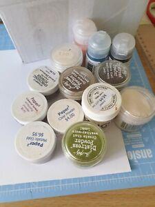 13 Embossing Powders