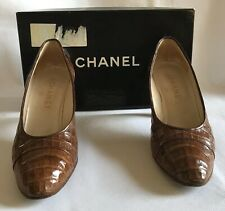 CHANEL court shoes