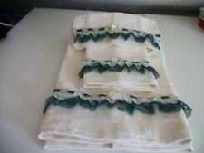3Pc Ivory And Hunter Green Bath Towel Sets