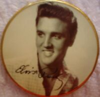 E ELVIS PRESLEY COMMEMORATIVE COIN GILT & ENAMEL 4 CM X .3 CM 1935 - 1977 SEE PI
