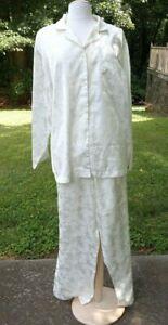 Character Women's Pajamas Ivory with Ivory Paisley Print Size Extra Large