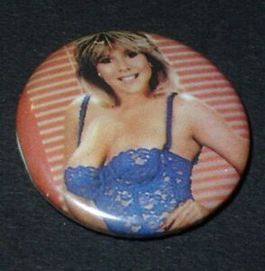 Badge Button vintage / chanteuse sexy Samantha Fox lingerie Pin Up