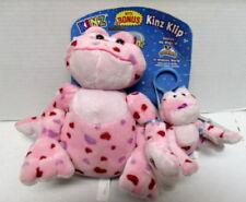 Webkins love frog with Kinz Klip