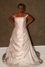 NWT Size 18 Ivory taffeta off the shoulder long formal bridal gown wedding dress
