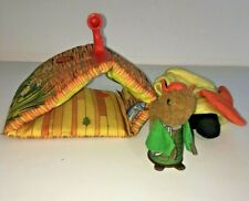 Vint Fisher Price Woodsey Soft Airport Building Plane & Uncle Filbert Squirrel