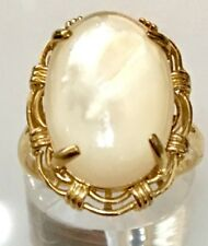 Large 14K Mother of Pearl Oval Cabochon Yellow Gold Ring Size 7.5 **Beautiful**