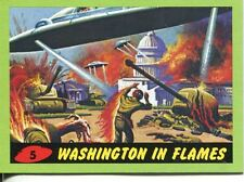 Mars Attacks Heritage Green Parallel Base Card #5    Washington in Flames