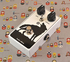 Fredric Effects Grumbly Wolf boutique distortion and ring mod effects pedal