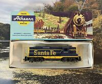 Vintage Athearn GP-9 Santa Fe 2685 Locomotive Engine Train HO Scale