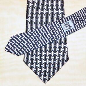 HERMES [ PARIS ] { 5139 HA } men's tie 100% Silk  Made in France
