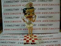 BB17 figurine Betty boop resine en blister MIB 15 cm environ : Infirmière