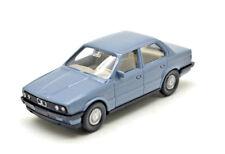 Wiking 190/4    BMW 320i (e30) Limousine - graublau