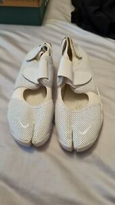 NIKE AIR RIFT LADIES TRAINERS SIZE 7