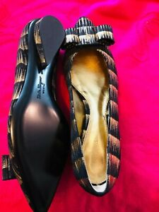 New Women Salvatore Ferragamo Pointed Toe Flat Size 9C  Nero/Oro NWT
