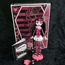 Monster High First 1st Wave DRACULAURA Doll and Pet Outfit Umbrella Complete