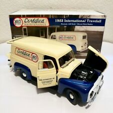 First Gear Collectible 1953 International Travelall 1:25 Scale Vtg Diecast Truck