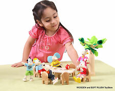 BRAND NEW child's wooden toy KITZ & FRIENDS PARTY DOLL HOUSE DOLLS PRETEND PLAY